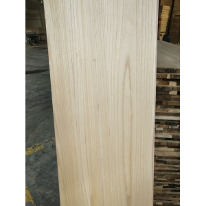 Paulownia surfing board and ski board cores